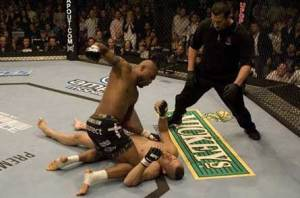 Quinton Jackson defeats Chuck Liddell